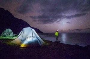 Campen nach Sonnenuntergang
