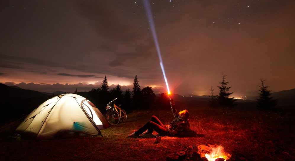 Taschenlampe beim Camping